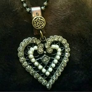Rustic heart necklace, faux pearls & leather NWOT