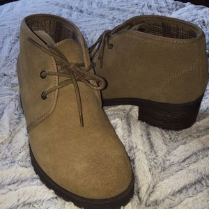 Eastland Shoes - Eastland khaki and brown ankle boots