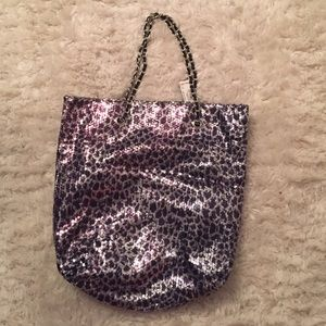 Handbags - 🆕 Sequin animal print tote bag