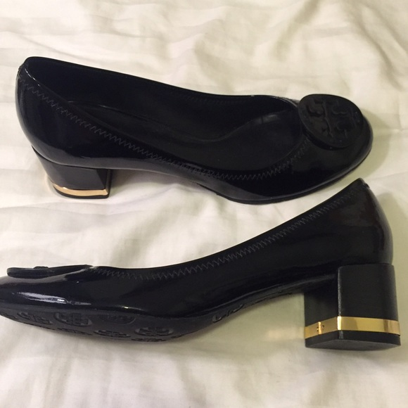 Tory Burch Patent Leather Pumps outlet release dates marketable online Shop clearance cheap real oGDXk1ahe