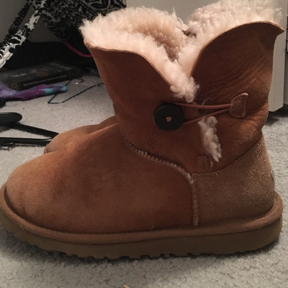 ugg boots worn without socks