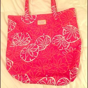 Lilly Pulitzer Handbags - Lilly Pulitzer Beach Tote