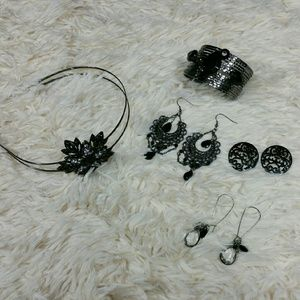 Jewelry - *SALE*JEWELRY BUNDLE: 3 earrings,1 cuff,1 headband