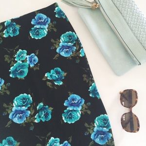14th & Union Dresses & Skirts - Black and blue floral skirt perfect for summer