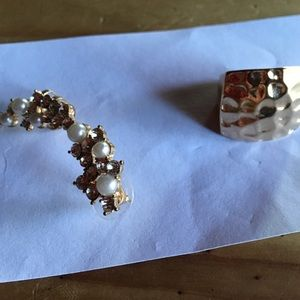 Jewelry - Ear fancy and ring💐💐💐💐