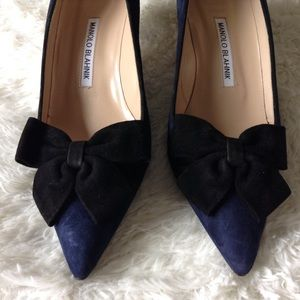 Manolo Blahnik Shoes - Last two days! Manolo Blahnik bow kitten heels