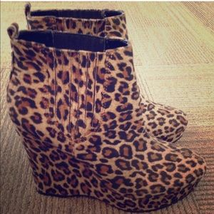 BCBGeneration leopard booties