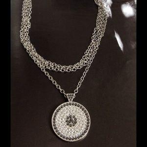 Jewelry - Beautiful Rhinestone Necklace.  No stones missing.