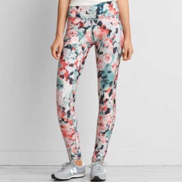 American Eagle Outfitters - Floral hi-rise workout leggings from ...