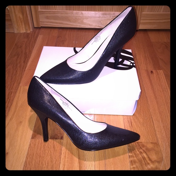 eea0104591 Nine West Shoes   Nib Garison Pumps   Poshmark