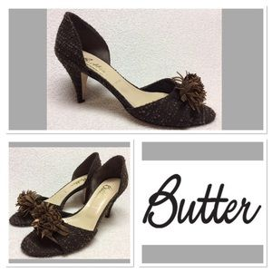Butter Shoes - 🔻9  BUTTER  Brown Pom Pom Heels