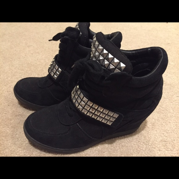 56 sm new york shoes black wedge tennis shoes from