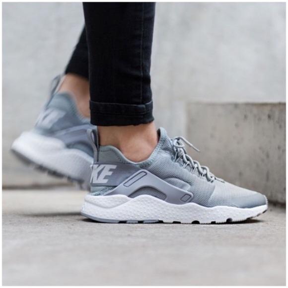 a99b68a9a203 Nike air huarache ultra gray
