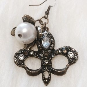 Jewelry - Fabulous Antique Gold and Pearl Earring