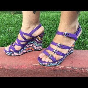 Noni sandal with multicolored wedge