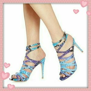 JustFab Shoes - 🌟💋HP💝😍 Pasca heels sandals in blue multi