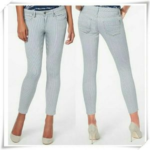 JustFab Denim - 👖🍓 Cropped Anckle Skinny jeans.