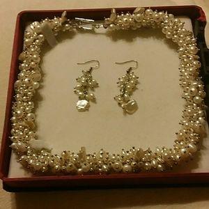 Jewelry - FRESHWATER PEARLS NECKLACE & EARRINGS JEWELRY SET