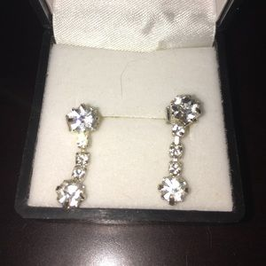 Jewelry - Drop faux diamond earrings