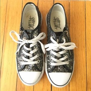 Gotta Flurt Shoes - Lace up sneakers with a useful zipper!