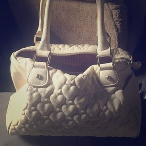 Clearance White heart quilted Betsy Johnson purse
