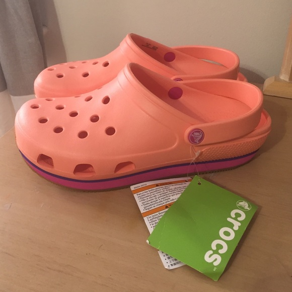 3e9e21b9f211b crocs Shoes | Womens Retro Clog | Poshmark