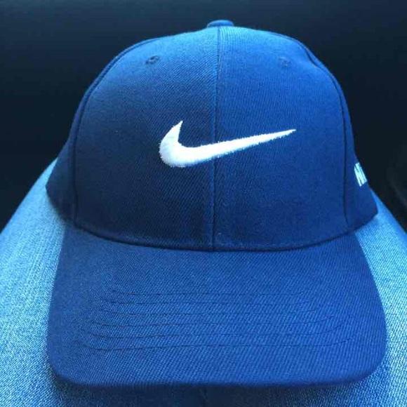 175dc494fe9 ✨SALE✨ NWOT Nike Baseball Cap