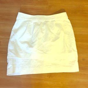 White structured skirt