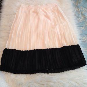 Forever 21 pleated skirt size XS