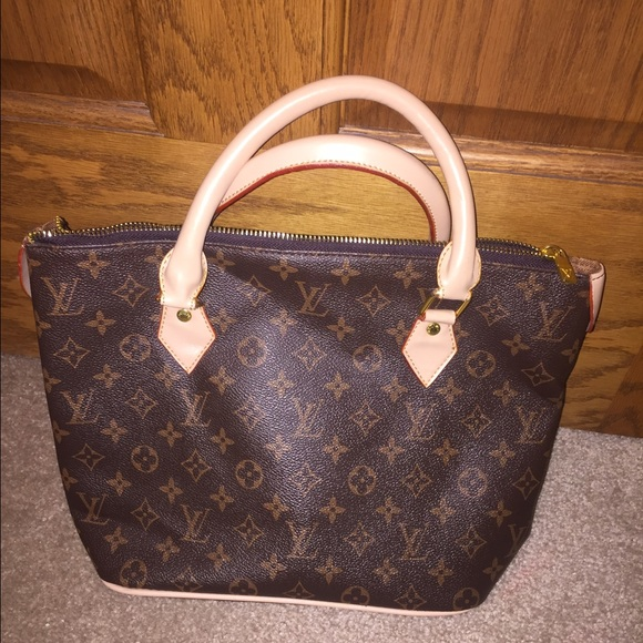 976a14f29 Knock Down Prices On Louis Vuitton Handbags | Stanford Center for ...