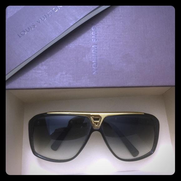 4ef3a1f9bd Louis Vuitton Evidence sunglasses. M 5733e578f0137da594009503
