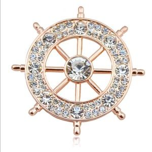 Jewelry - 🆕 Gold Nautical Brooch