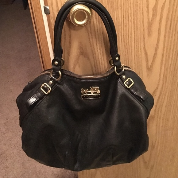 671eb60302 Coach Handbags - Sale! Coach Madison Sophia black leather purse ❤️