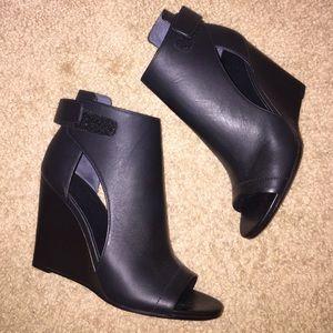 Vince heels size 6.5