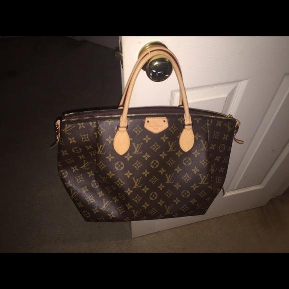e6586d0d8d66 Louis Vuitton Handbags - Louis Vuitton Turenne Gm