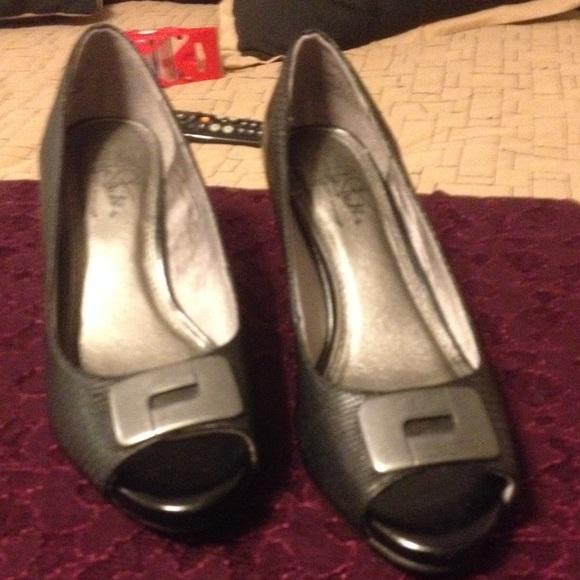 c140212a3f9 Life Stride Shoes - Life stride wide width comfort flex heels
