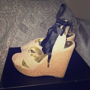 Canvas Lace-up Wedge