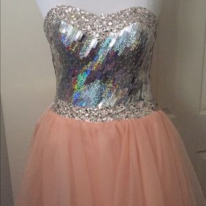 Dress Fashionable Avant Dresses & Skirts - Strapless Pink & Silver Embellished Gown