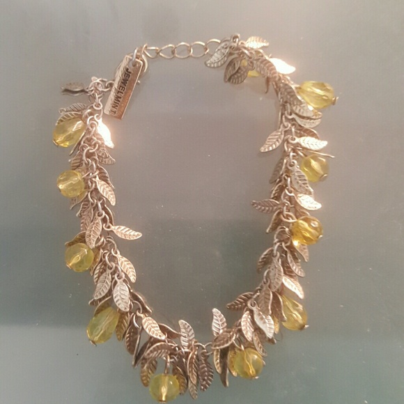 Jewelmint Jewelry - Leaf bracelet with yellow beads