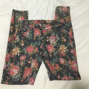 Makers of True Originals Denim - SALE! Makers of True Originals floral print jeans