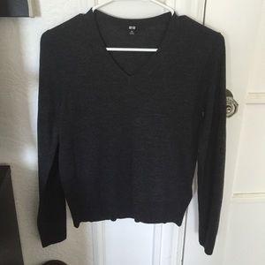 Uni qlo sweater