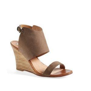 Halogen Shoes - halogen • size 4.5 wedged sandals