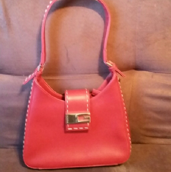 Guess - 🍁FALL SALE! 🍁 Vintage Guess red handbag from Margarita's ...