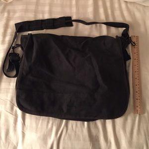 Handbags - Black messenger bag