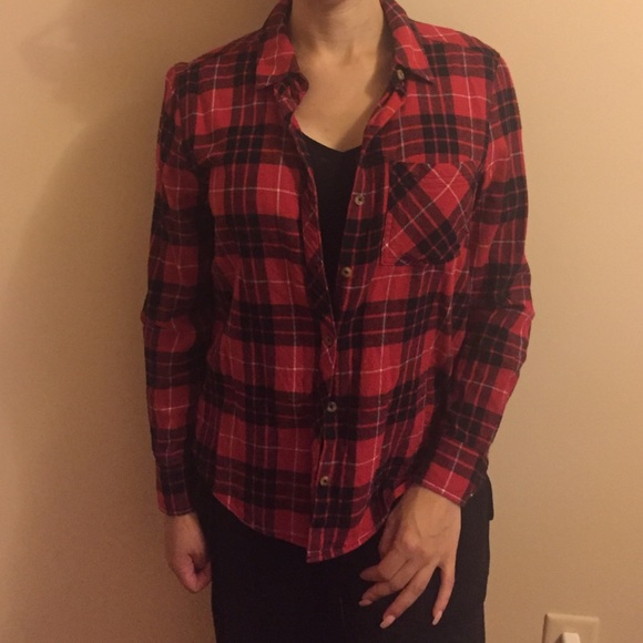 64295b1caa3 Forever 21 Tops - Forever21 women s red and black lumberjack flannel