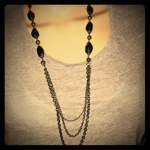 Jewelry - Pretty matching necklace and earrings