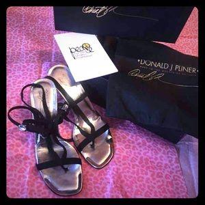 donald j pliner sunglasses us22  Donald J Pliner Heels