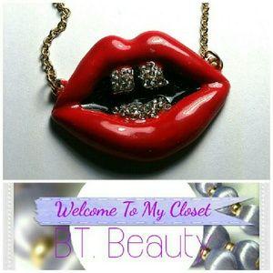 Jewelry - *Super Cute*Lip Diamond Grill Gold Tone Necklace