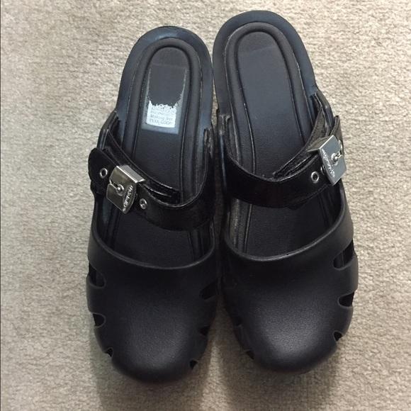 c860715b7ec9 Dr scholls Shoes - Dr. Scholl s Go Play women s clogs