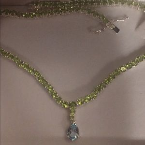 Jewelry - Peridot and blue topaz necklace